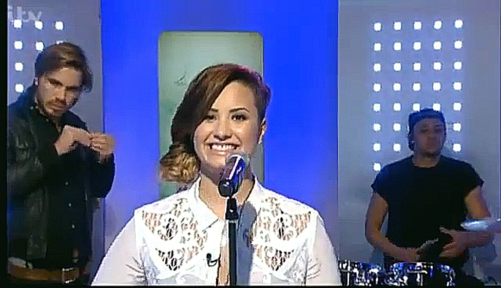 Demi Lovato performs Neon Lights on ITV this morning 30 5 14