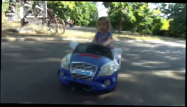 ВЛОГ Катаемся на велосипедах и машинках в парке Одесса VLOG ride toy car and bicyles