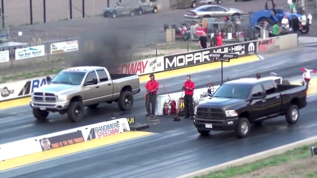 Драг Рейсинг Додж Рам Dodge Ram vs Cummins Ram Drag Race Truck