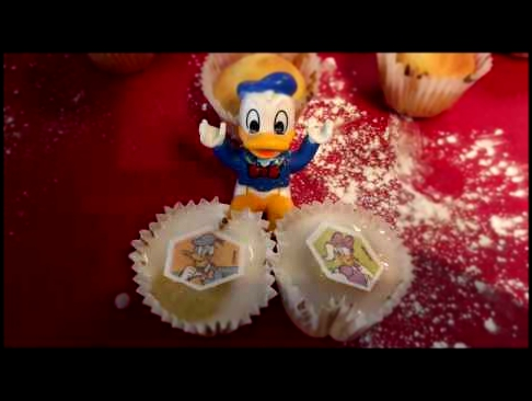 Lego Duplo Donald Duck Makes Mickey Mouse Clubhouse Cupcakes for Daisy's Valentine's Day Gift