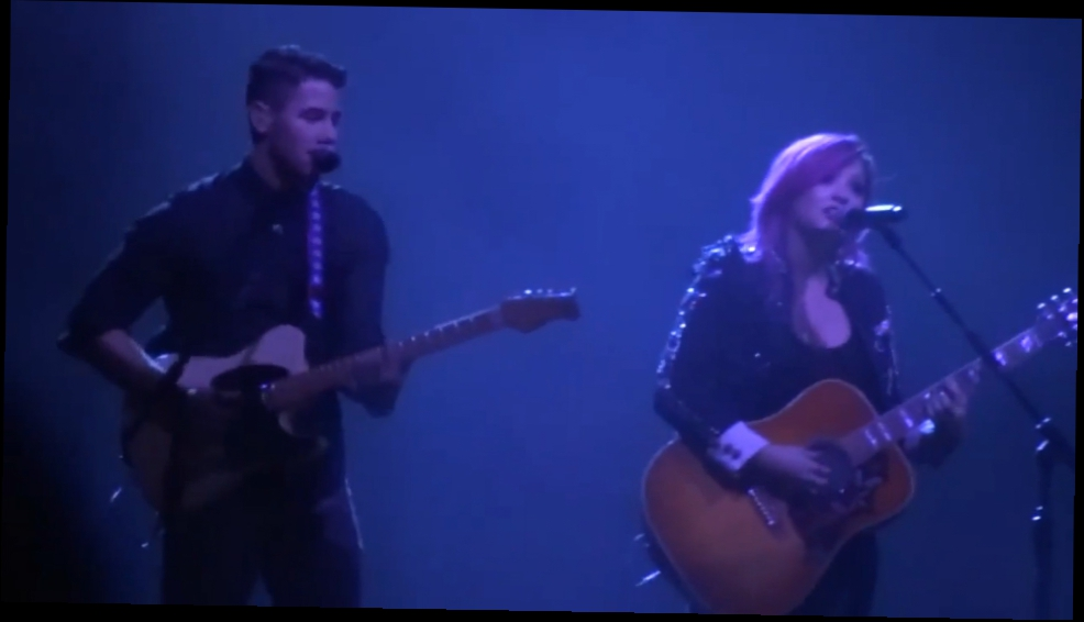 Demi Lovato Neon Lights Tour - Stop The World   Catch Me (With Nick Jonas)